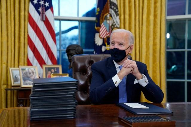 Trump  'had no vaccine distribution plan', Biden chief of staff says