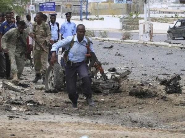 Somalia parliament attack: At least 10 dead as Islamist ...