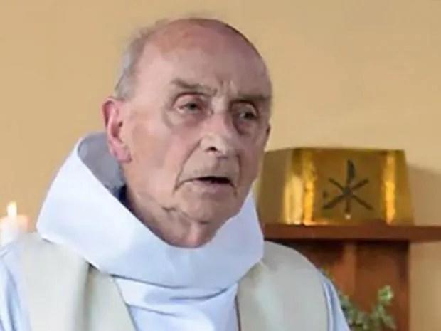 normandy-priest.jpg
