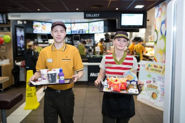 McDonald's to introduce table service in 400 UK ...