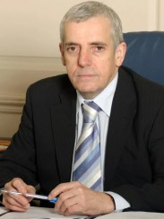 Dr Peter Carter, general secretary of the Royal College of Nursing