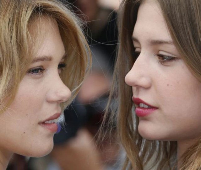Lea Seydoux Left And Adele Exarchopoulos At A Photocall For The Film Blue