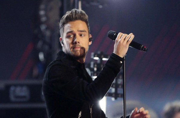 One Direction star Liam Payne apologises to fans after ...
