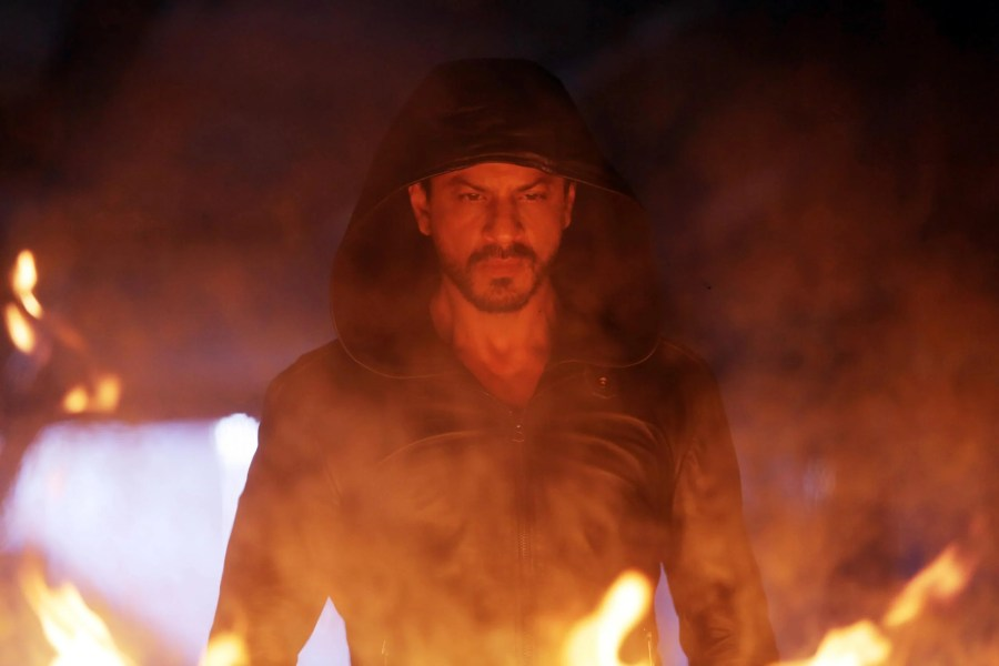 Dilwale Film 2015 The Bollywood Movie Trying To Break Into