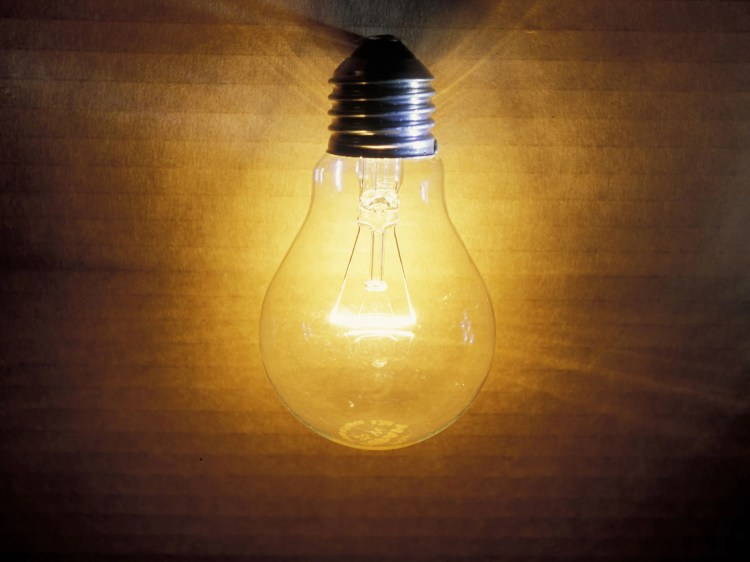 Old-fashioned light bulbs could be set for comeback after 'light recycling'  breakthrough | The Independent | The Independent