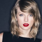 Taylor Swift Still Bagging Country Music Awards
