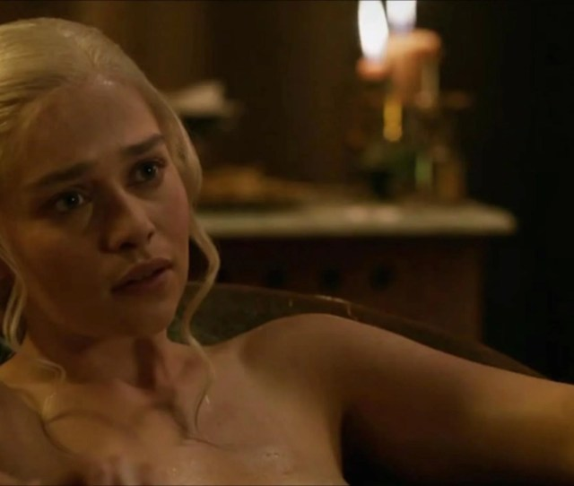 Game Of Thrones Emilia Clarke Wants Equal Opportunity Nudity Free The Penis