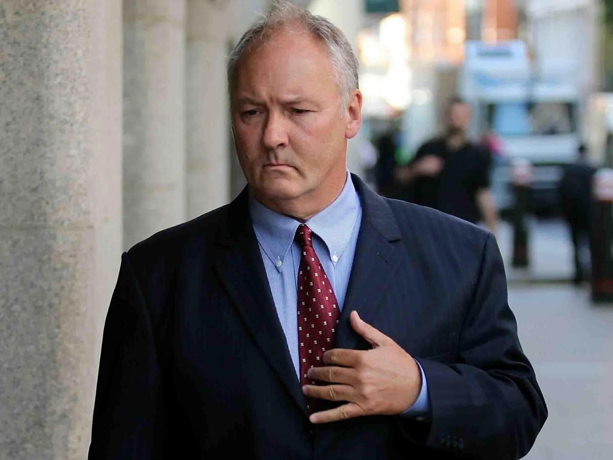 Ian Paterson: Coroner to open inquests into breast surgeon's victims' 'unnatural deaths' 4