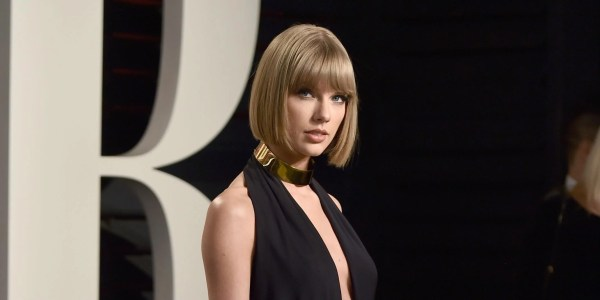 youtube trends taylor swift breaks record for most views - HD 2138×1071