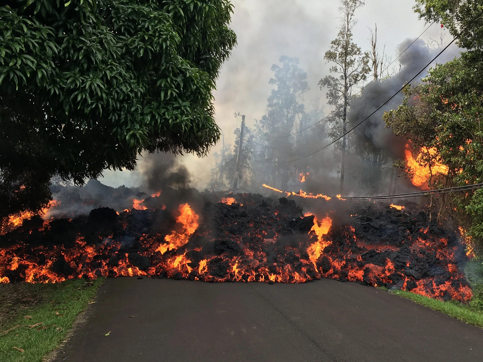Hawaii Volcano Rush To Move Tens Of Thousands Of Gallons Of Flammable Chemicals From Lava Path