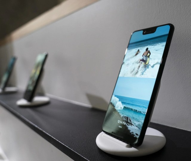 Pixel  Xl Review A Beautiful Camera Strapped To A Good Phone The Independent