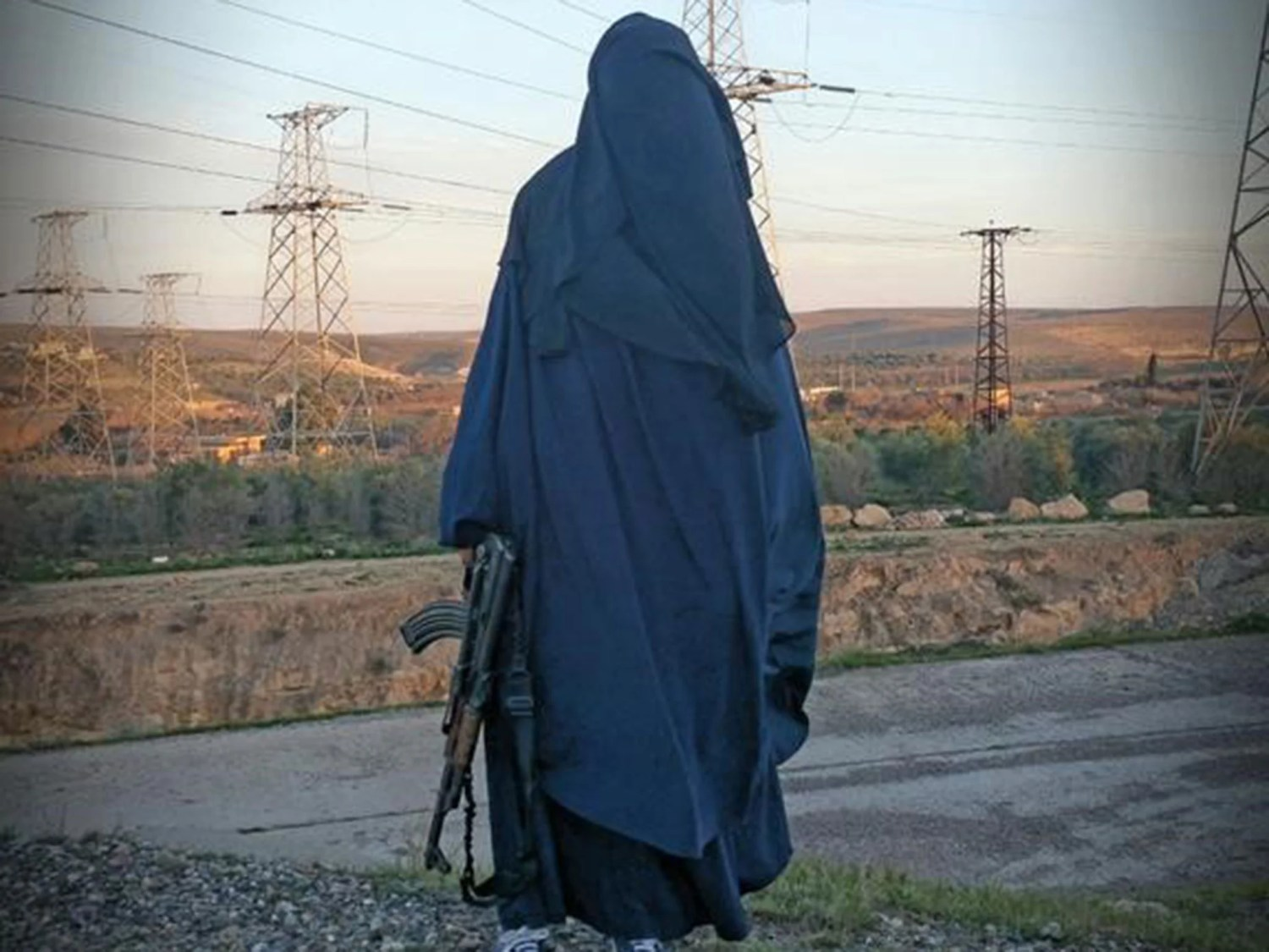 A photo believed to be of Tooba Gondal, which was posted on her Twitter account under the name Umm Muthanna al-Britannia