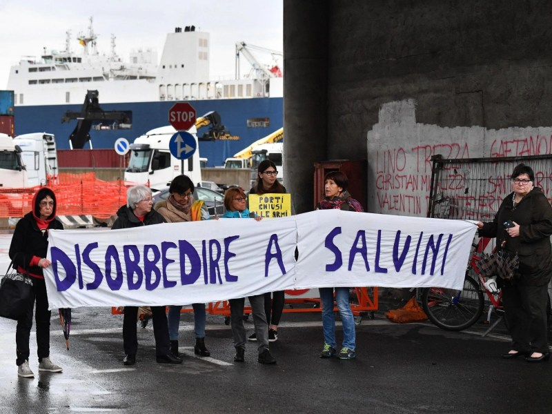 Protesters in front of Bahri Yanbu, a Saudi cargo ship