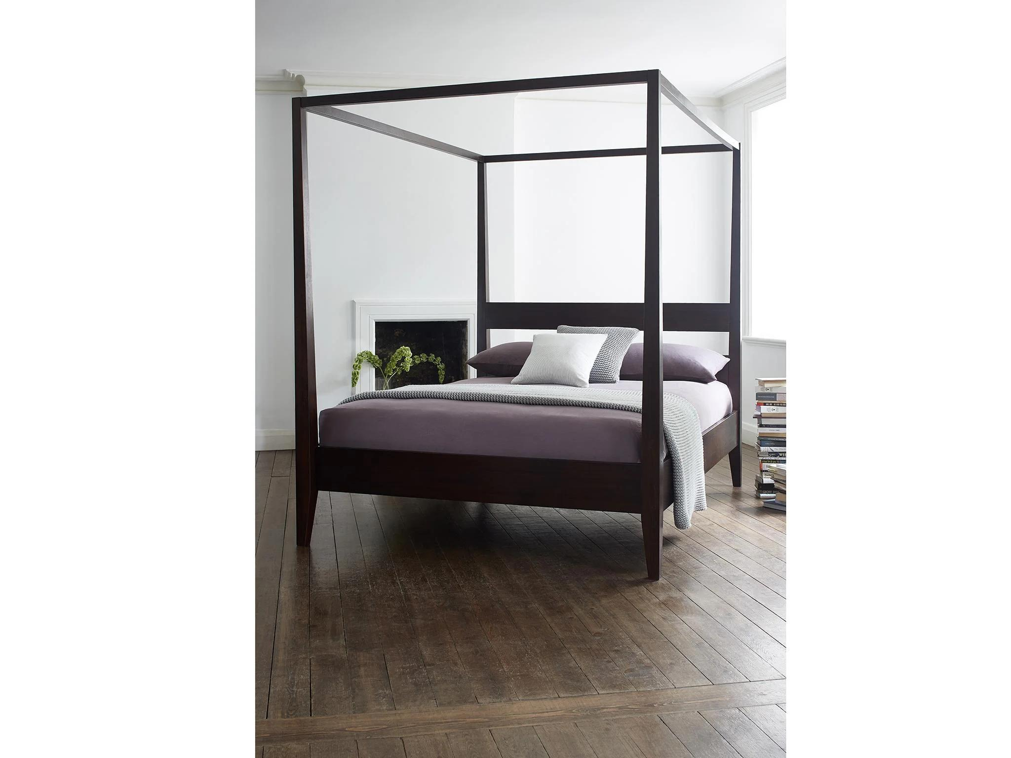 four poster bed to give any bedroom