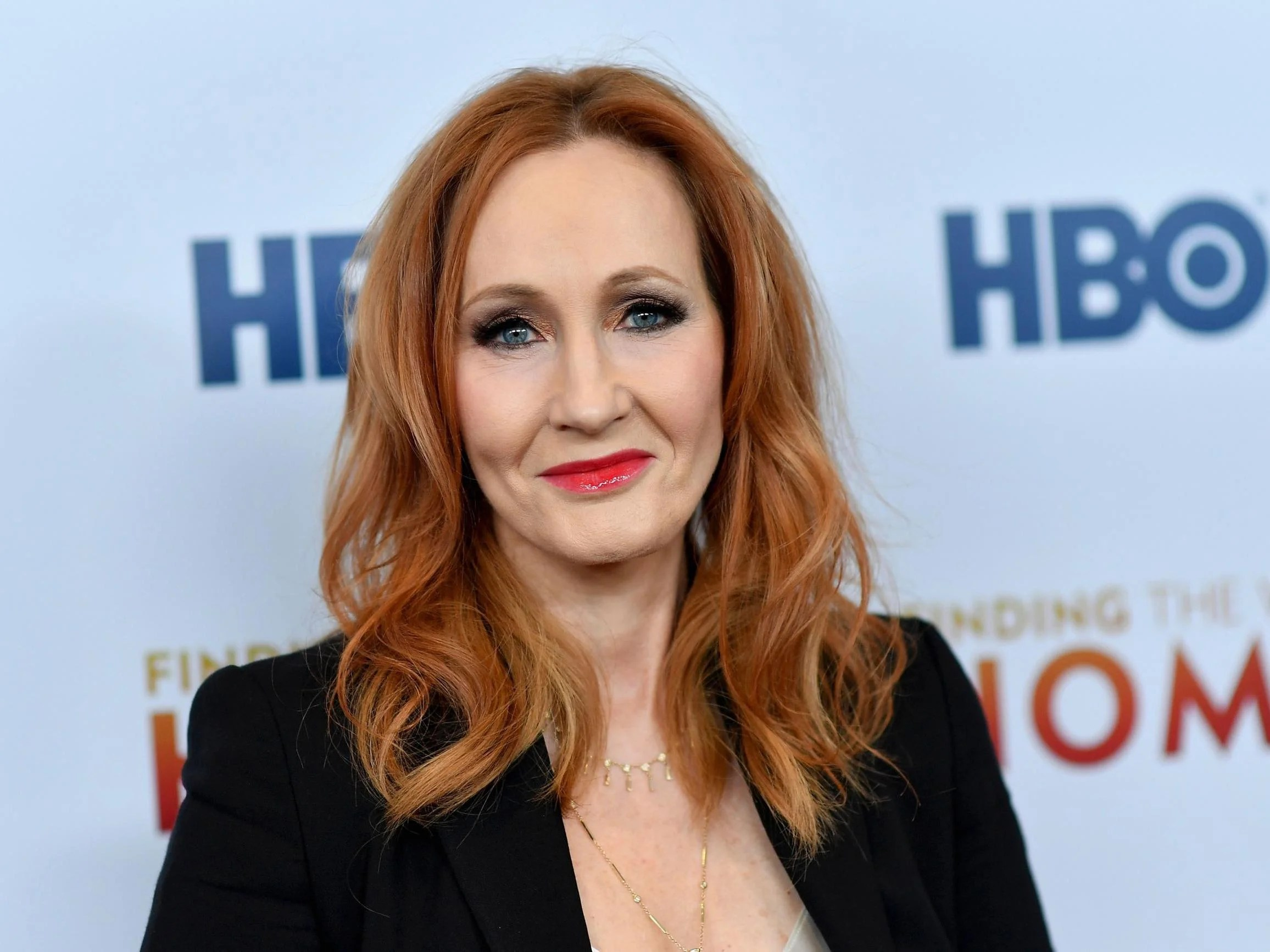 Harry Potter fan sites distance themselves from JK Rowling over transgender comments 6
