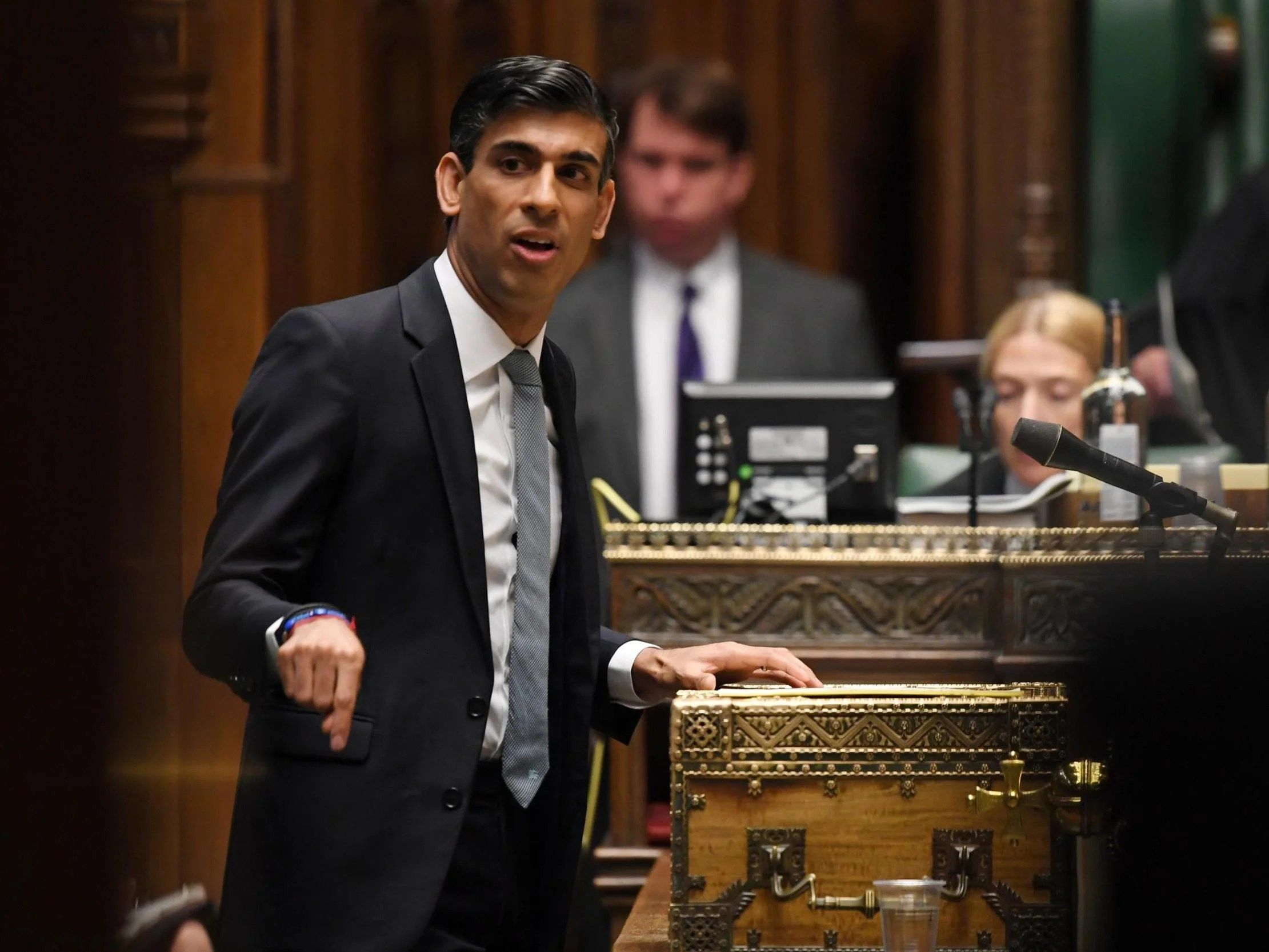 Rishi Sunak warns 'hardship lies ahead' and apologises to those left out of his mini-budget 10