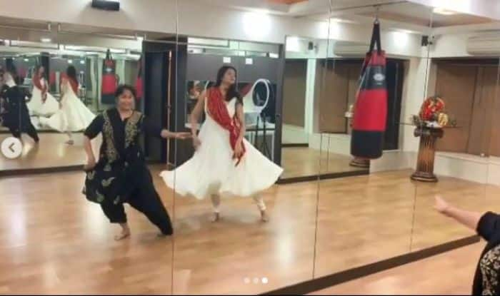 Sushmita Sen Shares Throwback Kathak Video to Thank Her Teacher