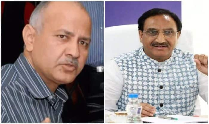 CBSE Class 12 Board Exams Should Be Cancelled If Students Can't Be Vaccinated, Sisodia Writes to Pokhriyal