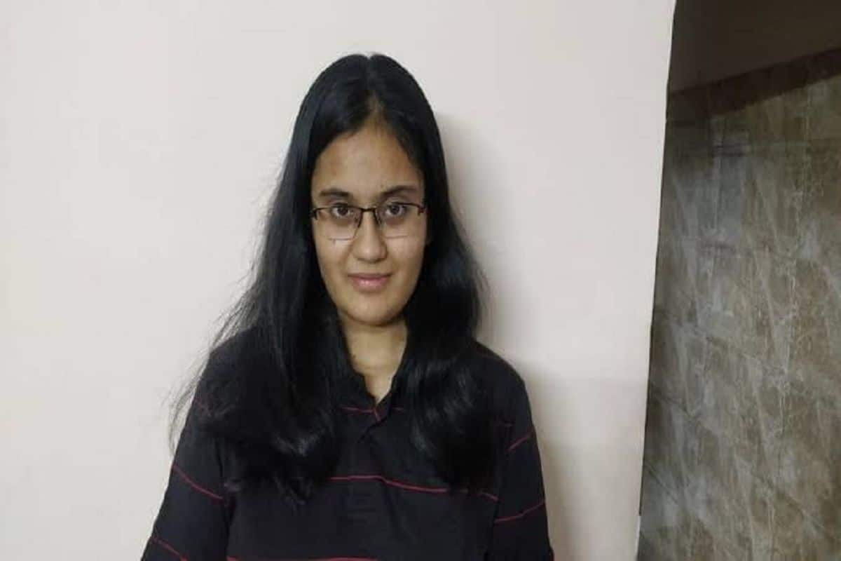 JEE Main March Result 2021 Declared. Meet Topper Kavya Chopra, First Female to Score Perfect 300 in Engineering Entrance Exam