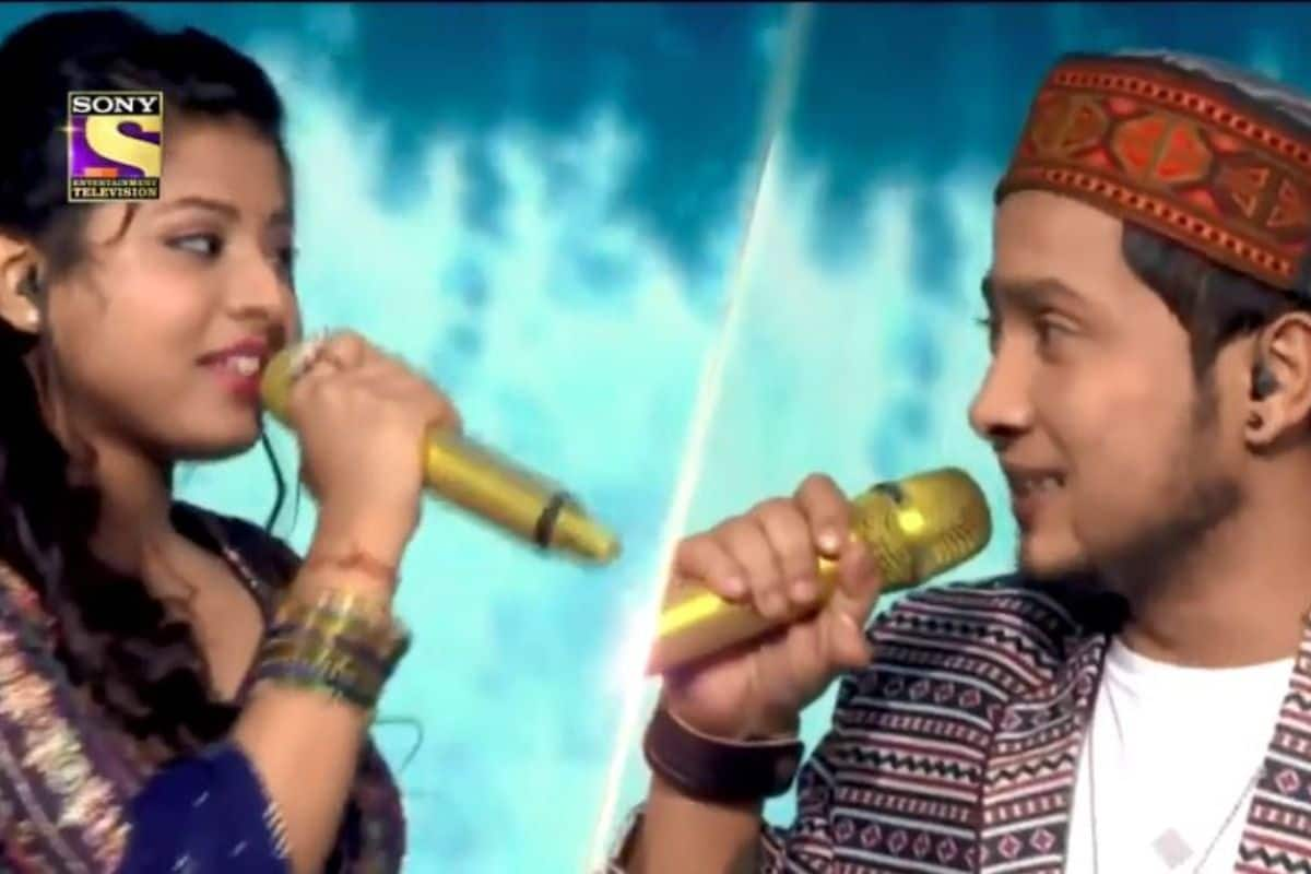 Pawandeep Rajan-Arunita Kanjilal Cant Take Their Eyes Off Each Other While Singing Tere Chehre Se