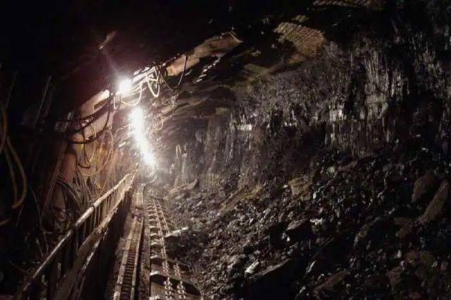 China: कोयला खदान में फंसे 21 मजदूर, खदान में घुसा बाढ़ का पानी