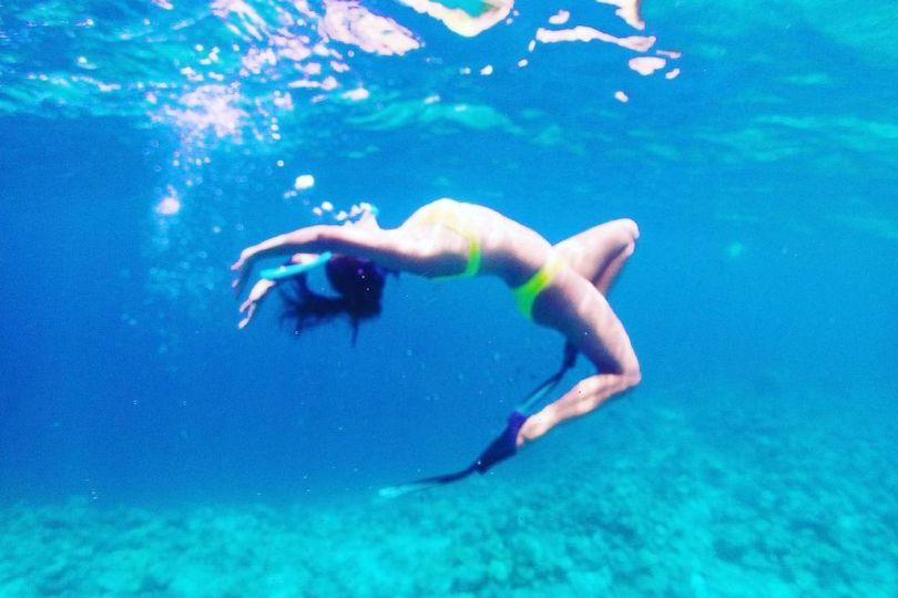 Kiara Advani Oozes Oomph In Neon Green Bikini As She Goes Aerial Underwater in Throwback Picture