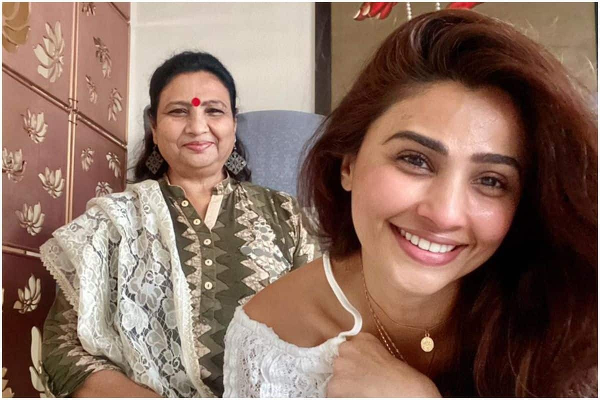 Mothers Day Special | Daisy Shah on Having a Mom Who Loves to Travel And Living Her Life to The Fullest