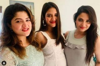 Nusrat Jahan's First Baby Bump Photo is Here, Confirms Pregnancy