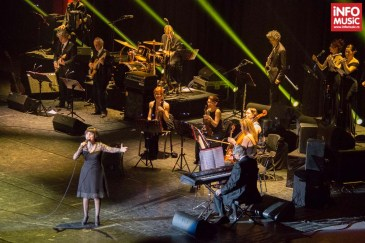 Mireille Mathieu în concert la Sala Palatului din București pe 24 martie 2014