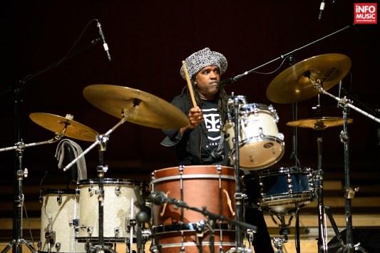 Roy Wooten (tobe) în concertul lui Victor Wooten la Bucuresti pe 23 octombrie 2014