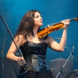 Tudor Turcu & Blade Strings în deschiderea concertului Europe de la Arenele Romane pe 11 iunie 2015