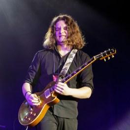 Andrei Bălașa (chitară) alături de Adrian Naidin în concert la Sala Palatului pe 22 decembrie 2015