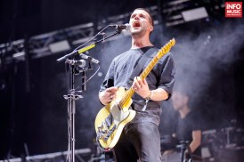 Harry McVeigh de la White Lies în concert la TimeShift Festival 2017