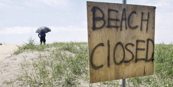 Oblivious to Oil in Mississippi, Possible Troops in Louisiana  beachclosed