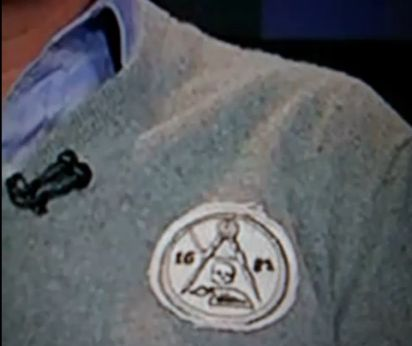 Glenn Beck dons Freemasonic patch during broadcast 08beck masonic