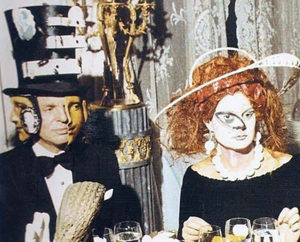 Baron Alexis de Redé in a Dalí designed Hat and Mrs. Espírito Santo