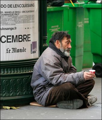 Como Francia se vuelve más socialista, más personas se quedan sin hogar. Crédito: russavia via Flickr