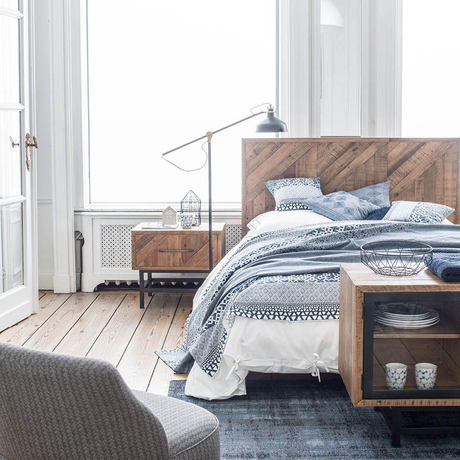 lit industriel 140x190 en bois recycle empreintes