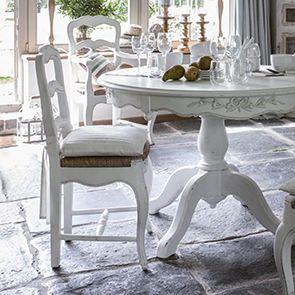 chaise paillee en bois blanc vieilli romance