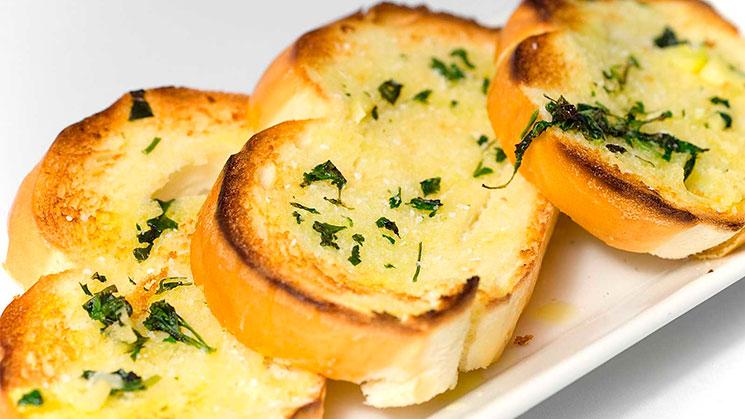 Resultado de imagen de pan tostado ajo perejil