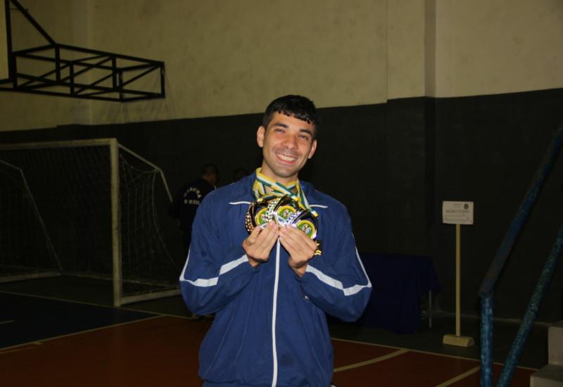 Al. Márcio participou de três competições e trouxe três medalhas para casa. (Foto: Jornal Pelicano)