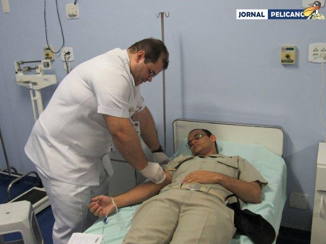 Al. Yohan em doação de sangue. (Foto: Al. Nathália Julião/ Jornal Pelicano)