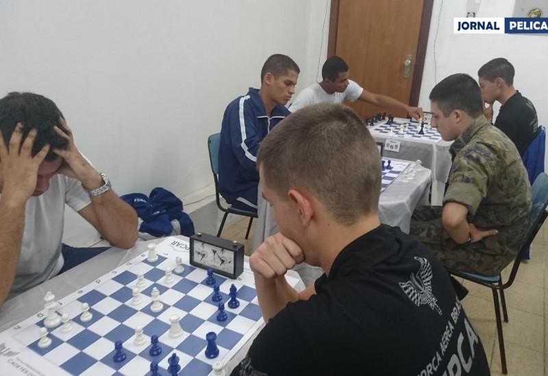 Sala com as partidas simultâneas de xadrez. (Foto: Al. Colares / Jornal Pelicano)