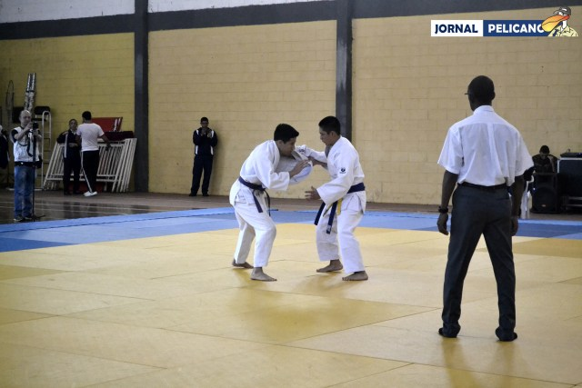 Sato e Tanaka em combate. (Foto: Al. Anna Viriato / Jornal Pelicano)
