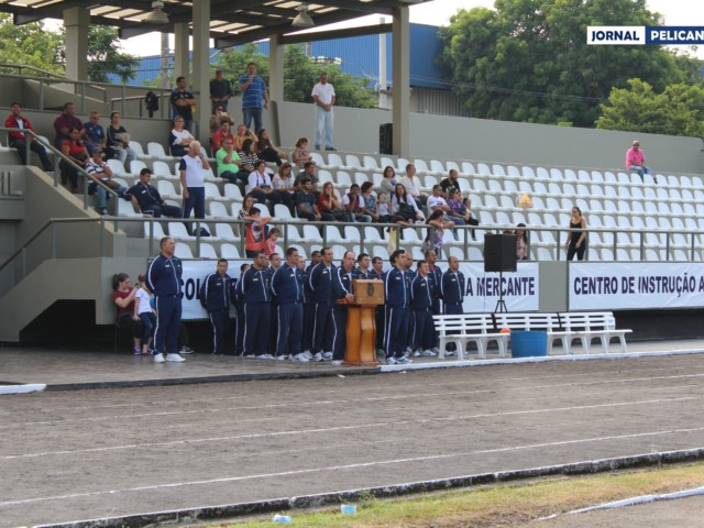 ComCA cumprimenta os atletas e torcedores. (Foto: Al. Leal / Jornal Pelicano)