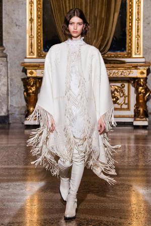 Ermanno Scervino: Ermanno Scervino Fall Winter 2021-22 Fashion Show Photo #38