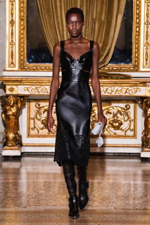 Ermanno Scervino: Ermanno Scervino Fall Winter 2021-22 Fashion Show Photo #26