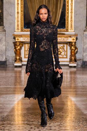 Ermanno Scervino: Ermanno Scervino Fall Winter 2021-22 Fashion Show Photo #31