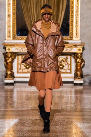 Ermanno Scervino: Ermanno Scervino Fall Winter 2021-22 Fashion Show Photo #19