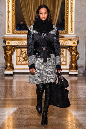 Ermanno Scervino: Ermanno Scervino Fall Winter 2021-22 Fashion Show Photo #27
